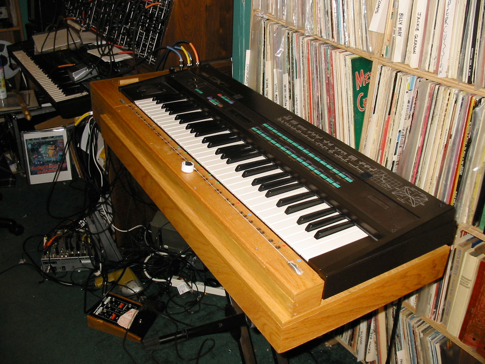 Dana Countryman's Ondes Martenot Controller Project on